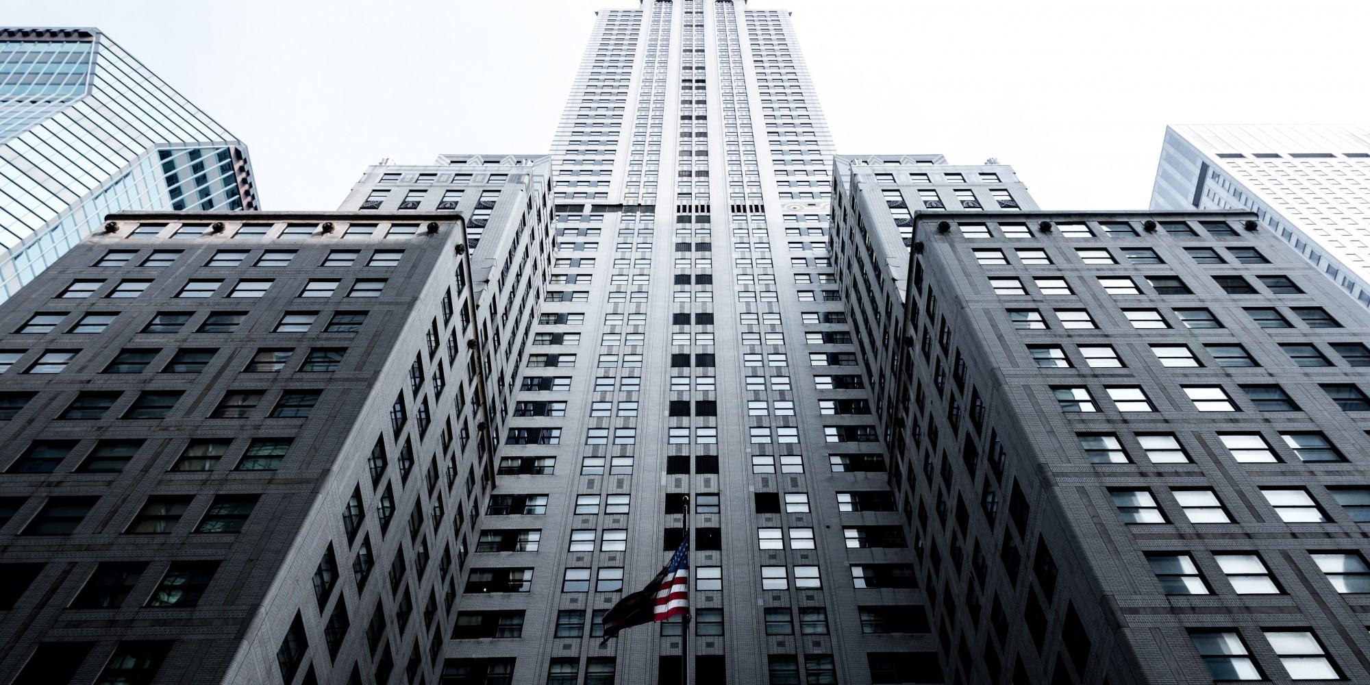 SOCIETE – Faut-il vendre ou apporter un immeuble à sa société ?